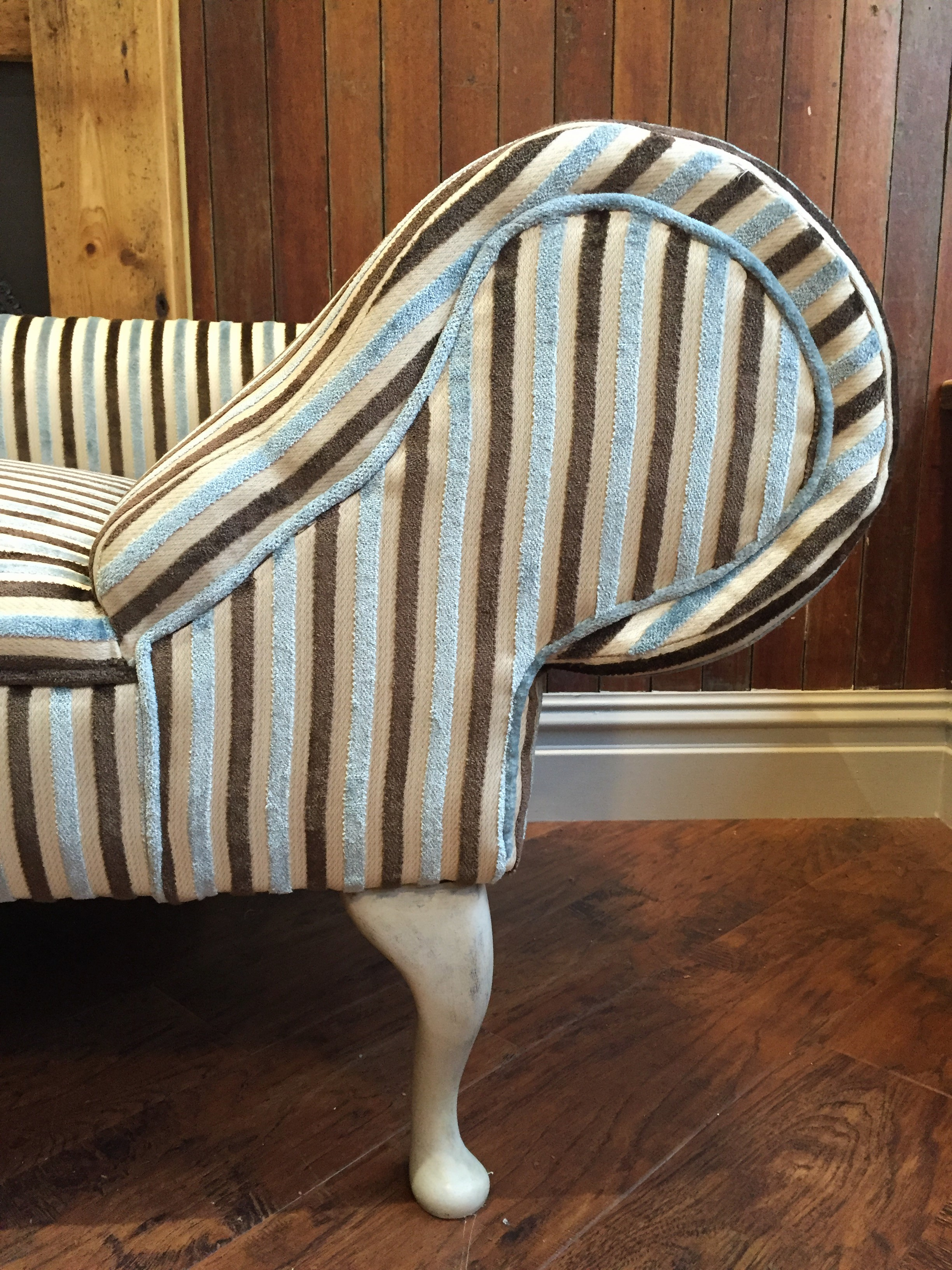 Sold left hand chaise longue bobbie burns for Chaise longue solde