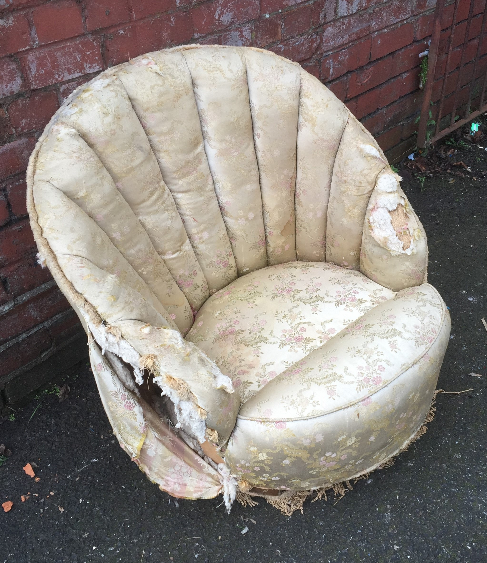 Shell Bedroom Chair