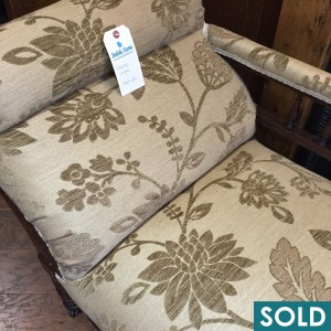 chaise gold square sold