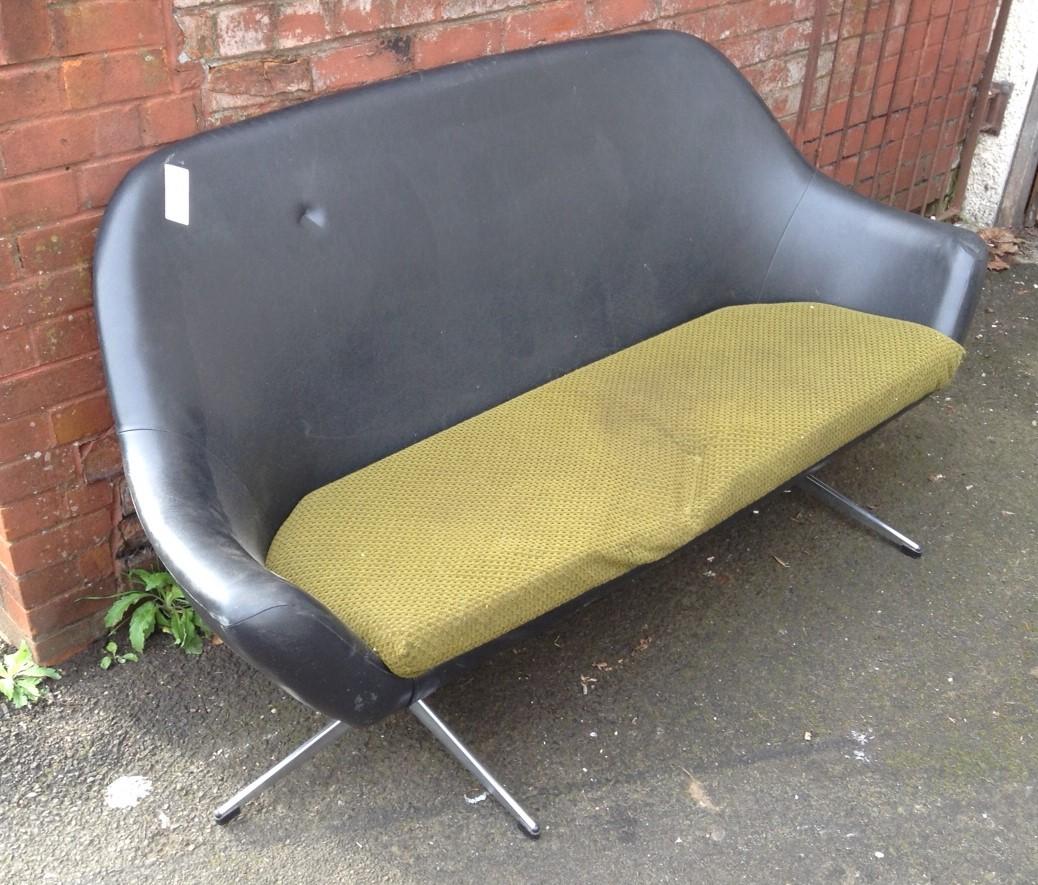 Pleasant Sold Frame Retro Two Seat Sofa Home Interior And Landscaping Mentranervesignezvosmurscom